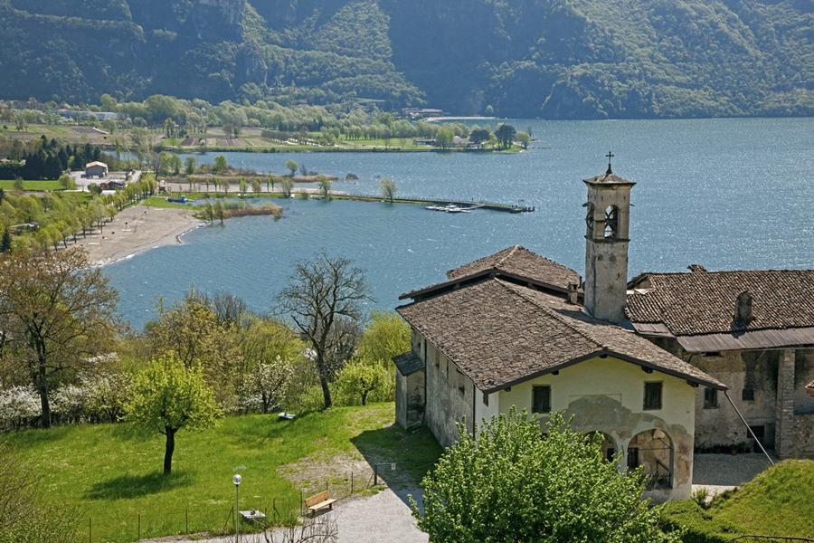 Ponte Caffaro frazione di Bagolino sul lago d'Idro