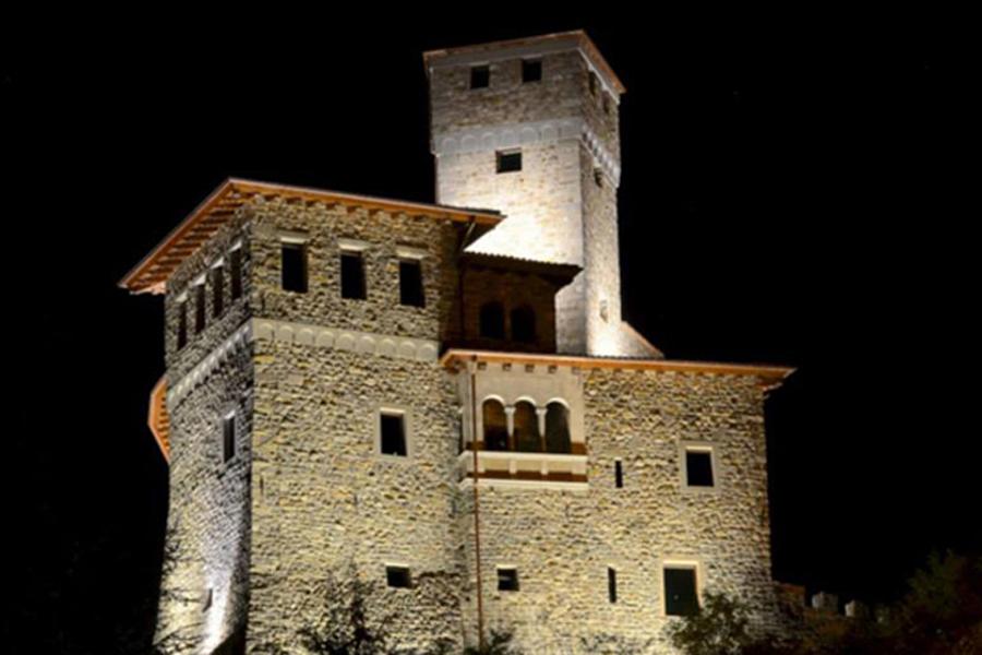 castello Savorgnan ad Artegna con punto ristoro con prodotti del Paniere dell'ecomuseo [foto Paolo Menis]