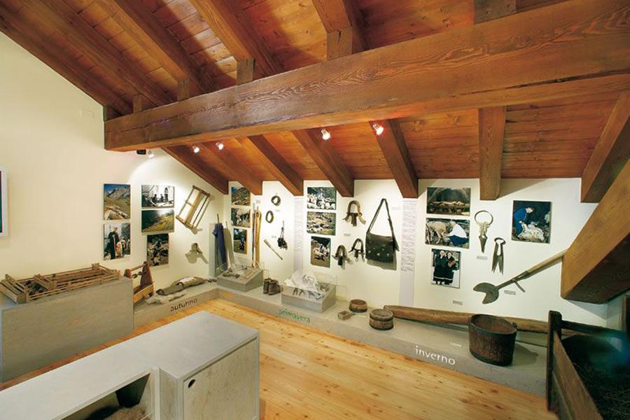"""interno del Museo permanente sulla Pastorizia """"Na draio per vioure - Un sentiero per vivere"""""""